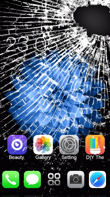Cracked screen iPhone 7