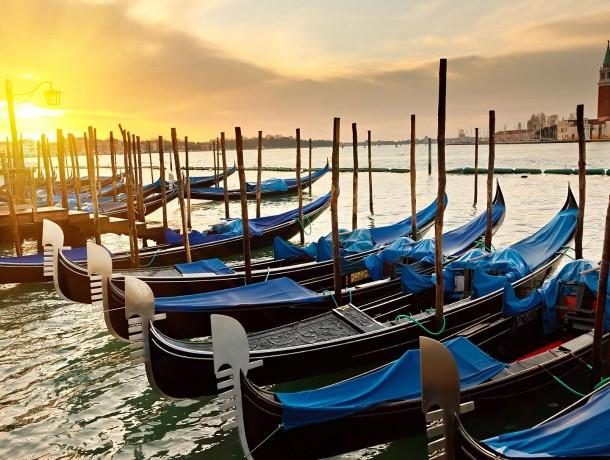 Venice-Italy-morning-sunris...