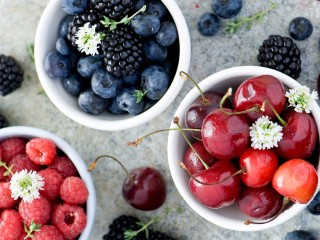 SWEET-FRUIT-BLACKBERRIES-BL...
