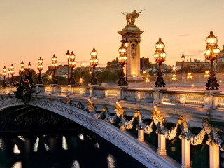 FRANCE-PARIS-PONT-ALEXANDRE...