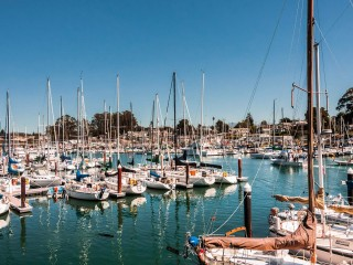 Santa-Cruz-California-USA-b...