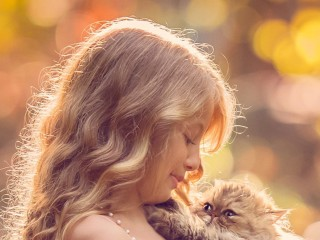 little-girl-with-cat-qhd-14...
